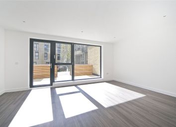 3 bed maisonette to rent in Goldsmiths Row, Hackney, London E2