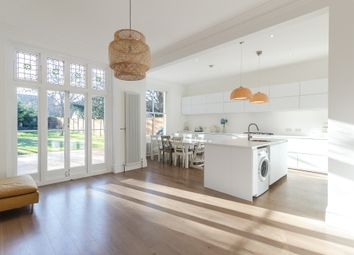 Thumbnail 6 bed detached house to rent in Hopton Road, London