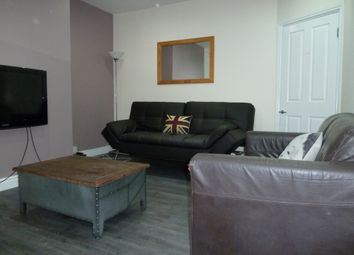 Thumbnail 7 bed terraced house to rent in Chestnut Avenue, Hyde Park, Seven Bed, Leeds