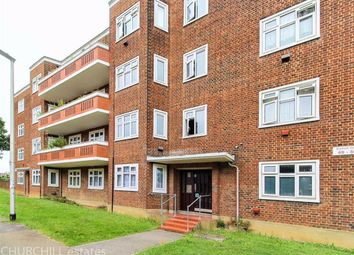 2 bed flat for sale in Bradwell Close, London E18