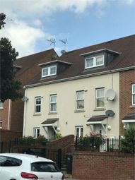 Thumbnail 4 bed detached house to rent in Russell Lane, London
