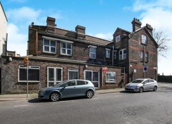 Thumbnail 4 bed flat for sale in Dudley Street, Luton, Bedfordshire