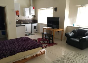Thumbnail 1 bed flat to rent in 393 Corporation Road, Newport
