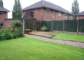 Thumbnail 2 bed flat to rent in Poplar Road, Redditch