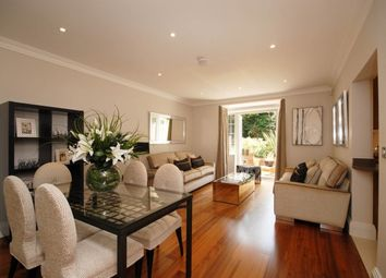 2 bed flat to rent in Claremont Lane, Esher KT10