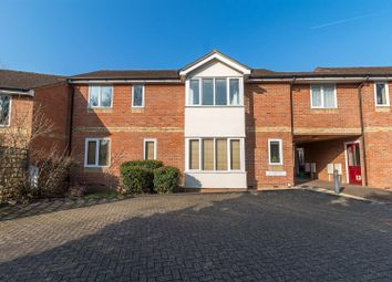 Thumbnail 2 bed flat for sale in Butchers Row, Twyford, Reading