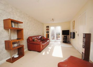 3 bed semi-detached house to rent in Terriers End, High Wycombe HP13