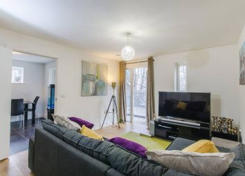 Thumbnail Flat for sale in Tiller Road, Canary Wharf