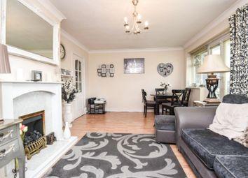 Waycross Road, London RM14. 2 bed flat