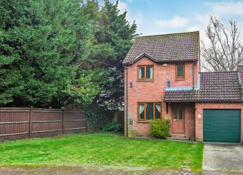 Thumbnail 3 bed detached house for sale in Camden Place, Calcot, Reading