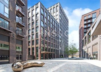 Thumbnail 1 bed flat for sale in Capital Building, Embassy Gardens, London