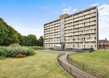 2 bed maisonette to rent in Kinsham House, Ramsey Street, Bethnal Green E2