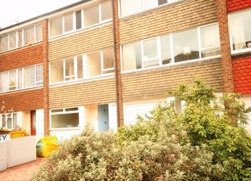 Thumbnail 6 bed town house to rent in Beaulieu Close, London