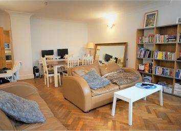 Thumbnail 2 bed flat to rent in 173 Rosebery Avenue, London