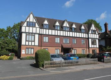 Thumbnail 1 bed flat to rent in Gresham Road, Oxted