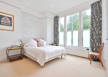 Thumbnail 2 bedroom flat to rent in The Avenue, Queens Park