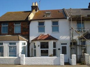 Thumbnail Terraced house to rent in Railway Road, Newhaven