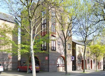 Thumbnail 3 bed flat to rent in Greenland Quay, London