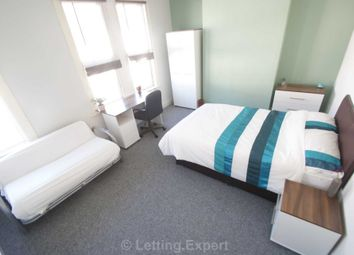 Thumbnail Room to rent in North Avenue, Southend-On-Sea