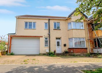 5 bed semi-detached house for sale in Bruce Grove, Wickford SS11