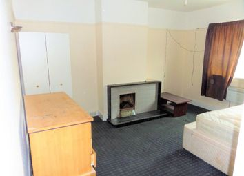 Thumbnail 4 bedroom flat to rent in Broadway Parade, Station Road, West Drayton