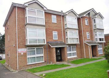 Thumbnail 2 bedroom flat to rent in High Road, Benfleet
