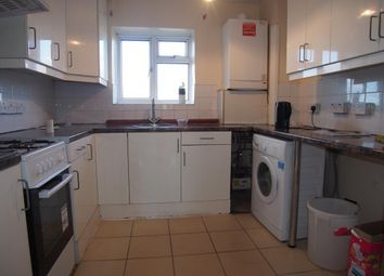 Thumbnail 2 bed flat to rent in Nightingale Road, London