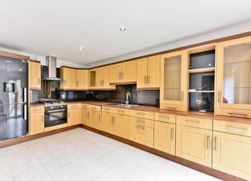 3 bed property for sale in Cardinals Way, London N19