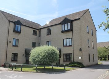 Thumbnail 2 bedroom flat to rent in Witney, Oxon
