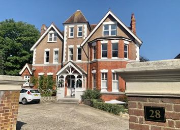 Silverdale Road, Eastbourne, East Sussex BN20. 3 bed flat