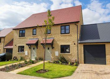 Edgehill Close, Carterton OX18. 3 bed end terrace house for sale