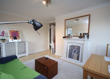 Thumbnail 2 bed flat to rent in Canonbury Road, London