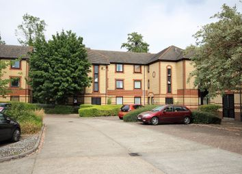 Thumbnail 1 bed flat to rent in Finchampstead Road, Wokingham