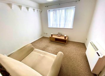 Thumbnail 1 bed flat to rent in Lemsford Road, St.Albans