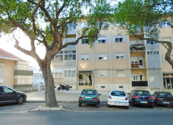 Thumbnail 3 bed apartment for sale in Santa Clara, Santa Clara, Lisboa