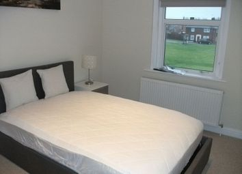 Thumbnail Property to rent in The Oval, Didcot