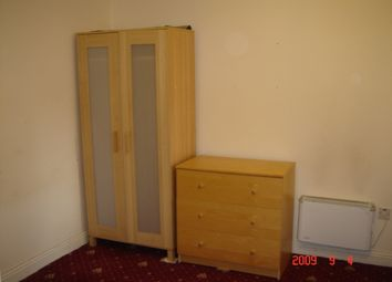 Thumbnail 3 bed flat to rent in Conyngham Road, Victoria Park