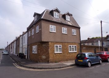 Thumbnail 2 bed flat to rent in Mill Road, Northfleet, Gravesend
