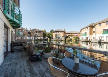 4 bed semi-detached house to rent in Plover Way, London SE16