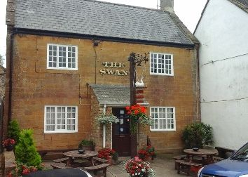 Thumbnail Pub/bar for sale in Lower Street, Merriott, Nr Crewkerne, Somerset