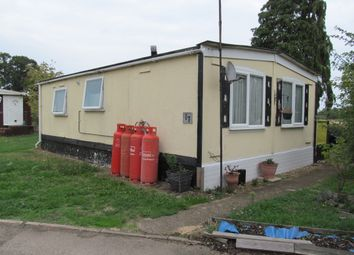 Thumbnail 2 bed mobile/park home for sale in Rozel Court (Ref 5998), Beck Row, Bury St Edmunds, Suffolk