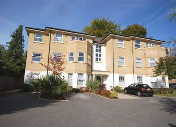 Thumbnail 2 bedroom flat to rent in Rectory Road, Rickmansworth