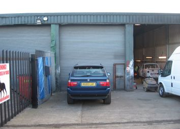 Industrial to let in Askew Farm Lane, Grays RM17