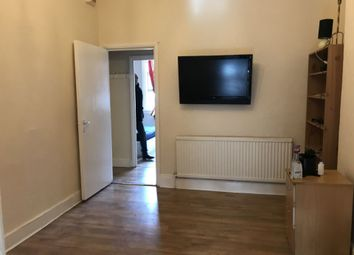Cricklewood Broadway, Cricklewood NW2. 2 bed flat