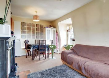 Somercoates Close, Cockfosters, Barnet EN4. 2 bed flat