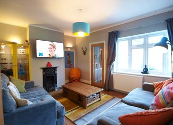 Thumbnail 2 bedroom flat to rent in Kingsbridge Court, Barrowell Green, Winchmore Hill