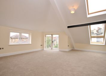 Thumbnail 2 bedroom flat to rent in Queens Road, Richmond