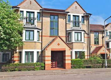 Thumbnail 1 bedroom flat for sale in Peel Close, London
