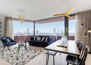 Thumbnail 2 bed flat for sale in Penn Street, Hoxton