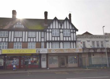 2 bed flat to rent in Tudor Mansions, Basildon, Essex SS13